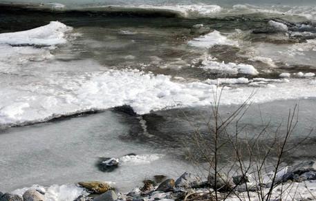 Valtellina news notizie da sondrio e provincia bergamo il gelo ghiaccia il torrente morla - Lo specchio della vita torrent ...