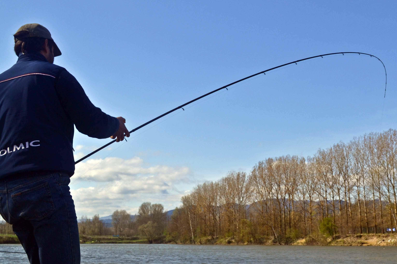 Comprare cercatori di profondità sonici senza fili per pescare dalla costa in Mosca